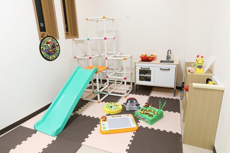 大阪市生野区の歯医者つばさデンタルクリニックではキッズルーム・キッズスペース完備